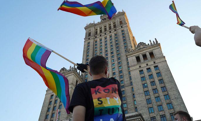 Polnische Polizei nimmt dutzende LGBT-Aktivisten fest