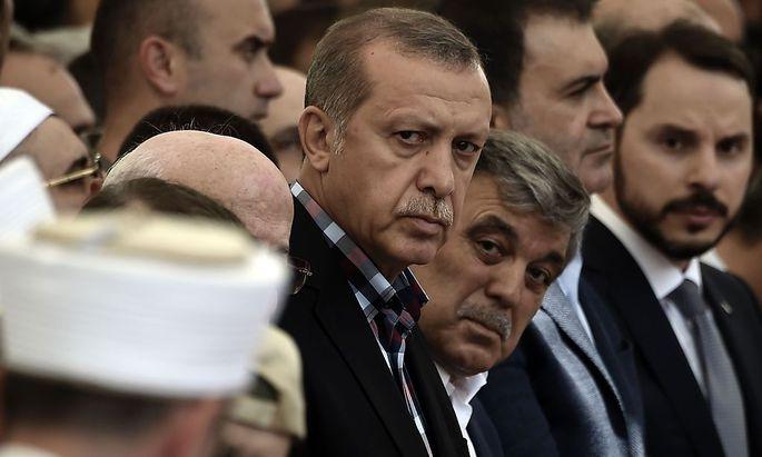 Erdogan nahm am Sonntag in Istanbul an einer Beerdigung teil.