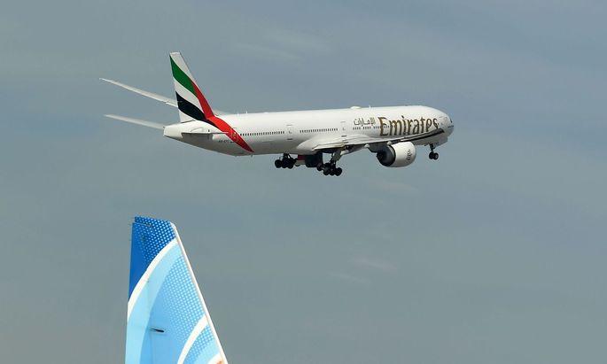 Auch die Airline der Emirate kündigt ein großes Sparpaket an.