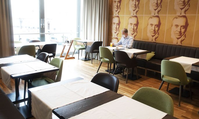 Im Hotel am Stephansplatz frühstücken normalerweise 100 Personen an einem Tag. Seit Corona sind Gäste – sofern es überhaupt welche gibt – meist allein.