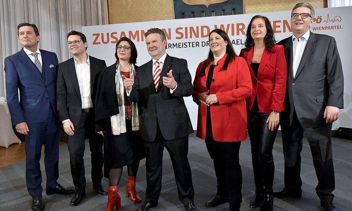 Bürgermeister Michael Ludwig (Mitte) und seine SPÖ-Stadträte