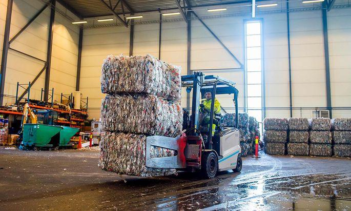 Die Verpackungsindustrie will die Kunststoffdiskussion versachlichen.