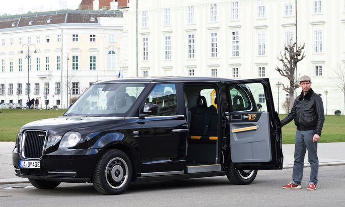 Step inside: Die Tür bekommt man wohl nicht aufgehalten, doch an Bord des LEVC-Taxi hat man es gut erwischt – nicht nur