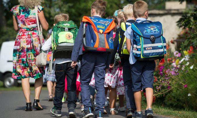 Kinder die alleine zur Schule gehen können haben viele Vorteile - sie werden aber weniger.