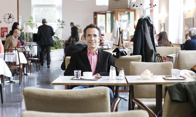 """Historiker Jérôme Segal im Café Prückl am Wiener Stubenring: """"Mein Urgroßvater Arnold war hier wohl Gast."""""""