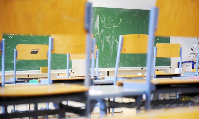 Symbolfoto: Klassenzimmer einer AHS