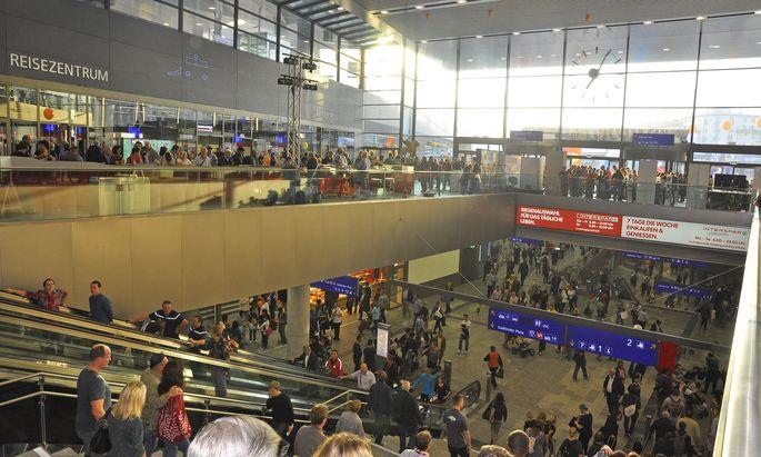 Der Hauptbahnhof Wien erhält stets gute Kundenbewertungen. Forscher wollen das Leitsystem noch verbessern.