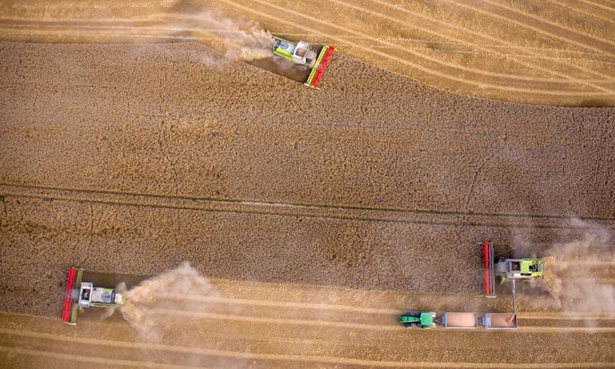 Getreideernten werden schon jetzt teilautonom durchgeführt. Im Bild eine solche im deutschen Mecklenburg-Vorpommern.