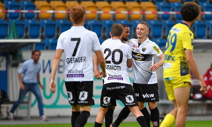 Altach gewinnt 2:0 gegen St. Pölten.