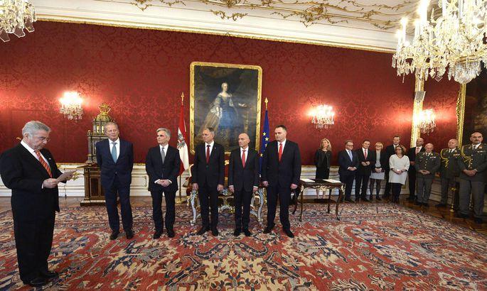 ANGELOBUNG NEUE MINISTER: FISCHER / MITTERLEHNER / FAYMANN / ST�GER / KLUG / DOSKOZIL