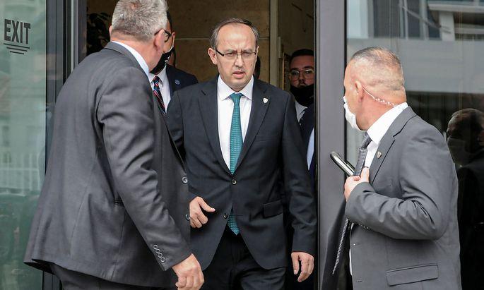Avdullah Hoti ist mit knappster Mehrheit zum Regierungschef gewählt worden.