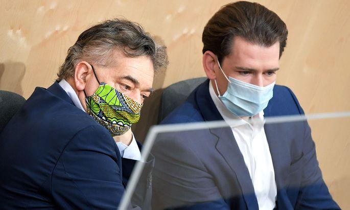Vizekanzler Werner Kogler (li.) und Kanzler Sebastian Kurz tagen mit ihrem Regierungsteam am Montag und Dienstag in Wien.