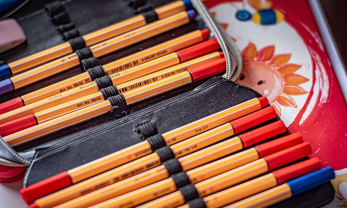 Federtasche, Federmappe Federtasche *** Pencil case, pencil case Pencil case