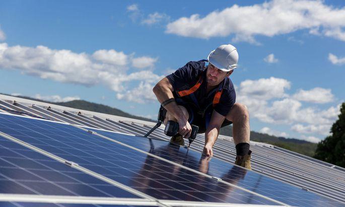 Solarpaneele am Dach sollen zur Selbstverständlichkeit werden.