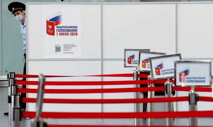 Der Flughafen in St. Petersburg ist leer. Auch Europas Manager kommen nicht so leicht nach Russland.