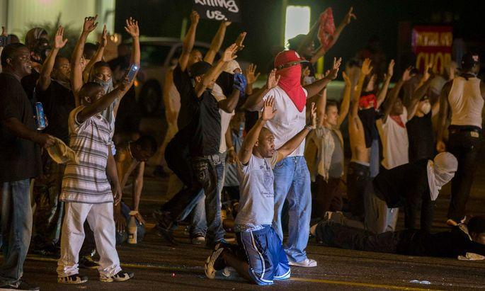 Ferguson: Teenager von sechs Kugeln getroffen