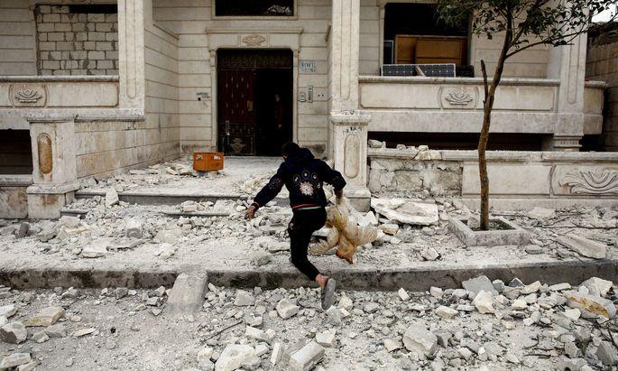 Szenerie nach Luftanschlag auf Idlib.