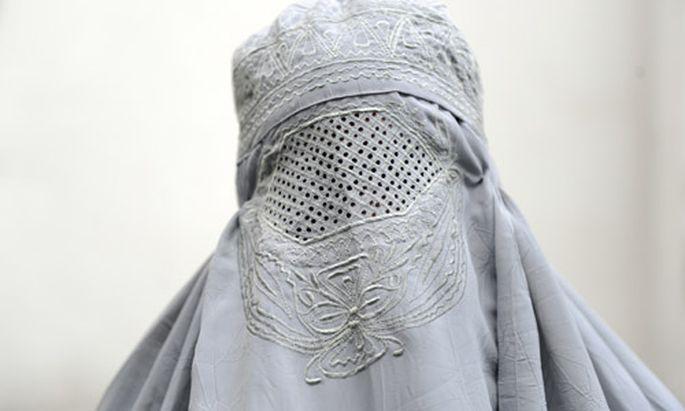 Italien: Burka-Trägerin muss 500 Euro Strafe zahlen