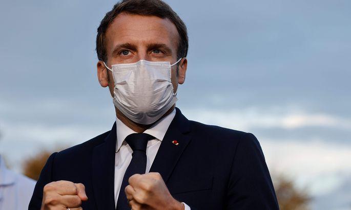 TOPSHOT-FRANCE-HEALTH-VIRUS-POLITICS-GOVERNMENT-HOSPITAL