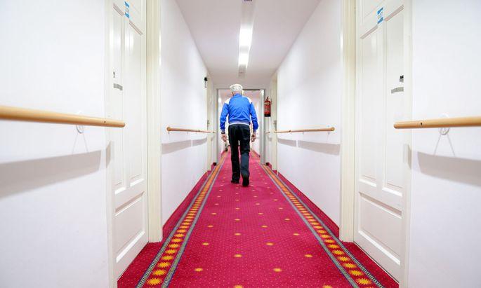 In Wiener Pflegewohnhäusern soll künftig in der Nacht nur ein Arzt im Dienst sein.