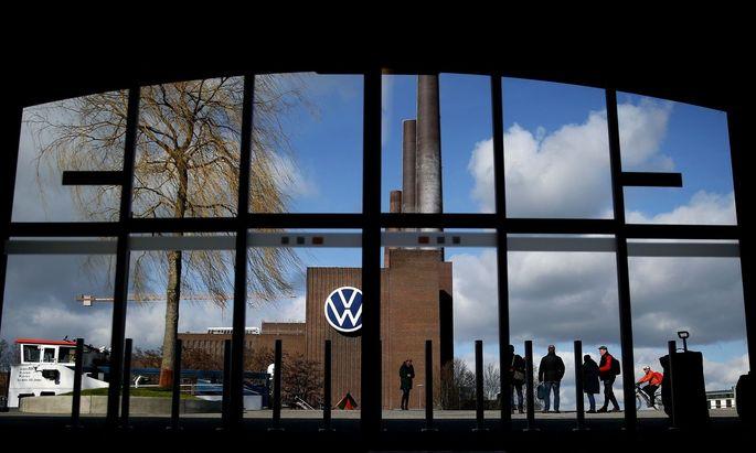 Der deutsche Automobilkonzern VW geht davon aus, dass der Automarkt in Westeuropa um 25 Prozent einbricht.