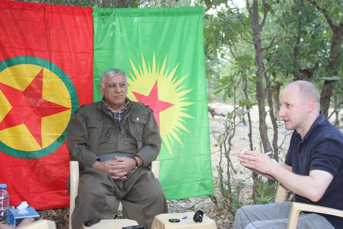 PKK-Chef Cemil Bayik im Gespräch mit