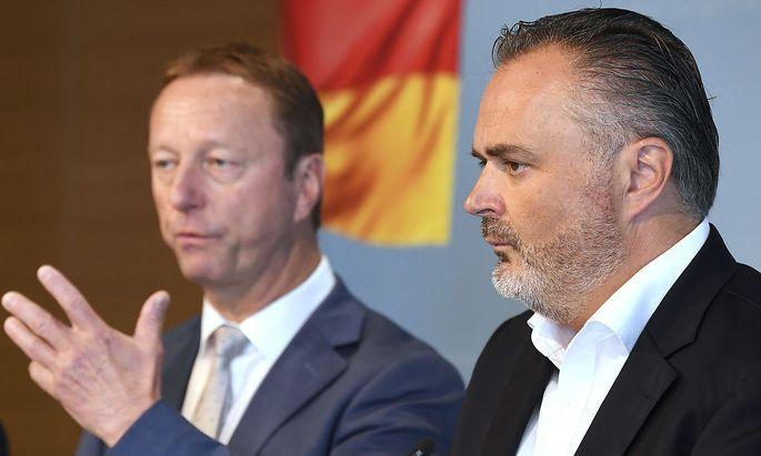 Ein Bild aus unruhigen Zeiten unmittelbar nach der Veröffentlichung des Ibiza Videos: FPÖ-Burgenland-Chef Johann Tschürtz (li.) mit dem burgenländischen Landeshauptmann Hans Peter Doskozil von der SPÖ.