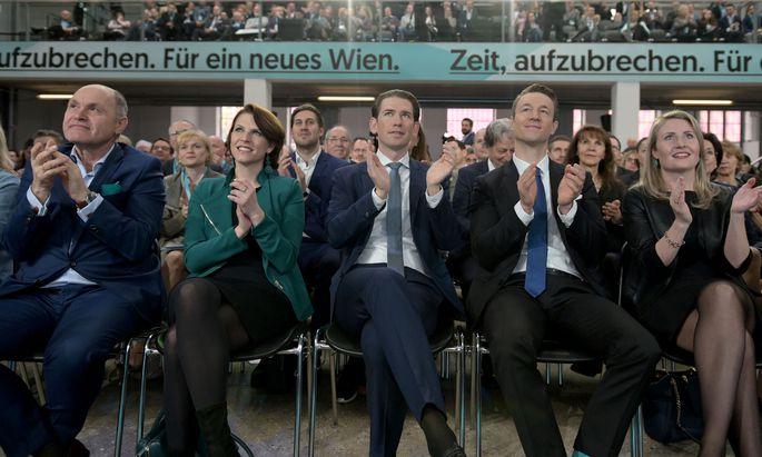 Wolfgang Sobotka, Karoline Edtstadler, Sebastian Kurz, Gernot Blümel und Susanne Raab beim Landesparteitag der Wiener ÖVP.