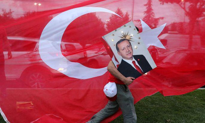 Recep Tayyip Erdoğan zählt auf den Auslandsfaktor.