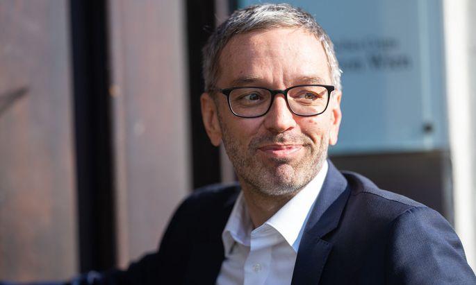 Herbert Kickl wird neuer Chef der Freiheitlichen Partei.