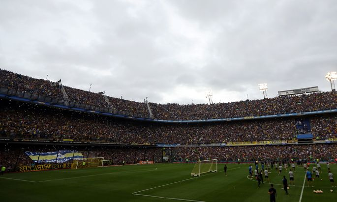 Bebende Tribünen, mythische Stimmung, Fanchoräle und Emotion in höchster Reinkultur: Aber nicht beim Match, 50.000 Zuschauer strömten zum Abschlusstraining der Boca Juniors.