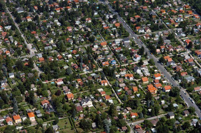 Grundstück, Nebenkosten, Hausplanung: Vor Baubeginn gibt es einiges zu erledigen - und zu bezahlen.
