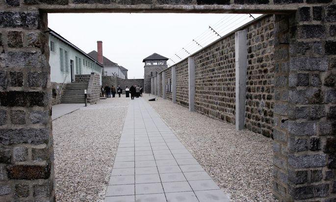 Blick in einen Hof des ehemaligen Konzentrationslagers Mauthausen
