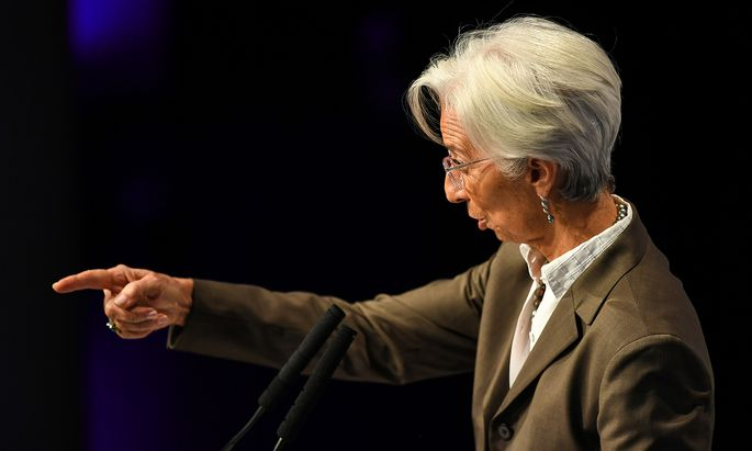 """EZB-Chefin Christine Lagarde will die Anleihen-Ankaufspolitik der Euro-Notenbank """"grüner"""" machen – und gerät damit auf Konfrontationskurs zur deutschen Bundesbank, die vor einer Überdehnung des"""