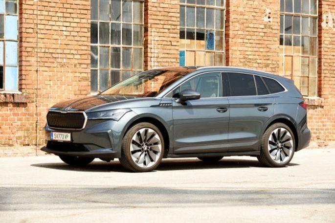 Etwas länger, etwas mehr Laderaum und im Inneren definitiv charmanter als das Original VW ID.4: Škoda Enyaq iV 80 im nahezu maximalen Trimm.