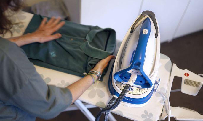 Die Frau erspare sich aber nun Arbeit für den Mann, wie waschen und bügeln, erwiderten die Rechtsvertreter des Spitals.