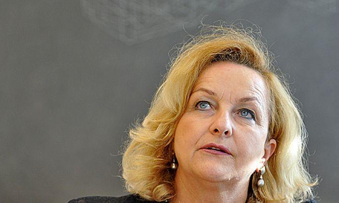 FekterVergleich Finanzministerin entschuldigt sich