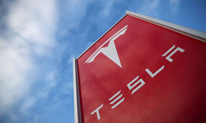 FILE PHOTO: A Tesla dealership is seen in West Drayton, just outside London