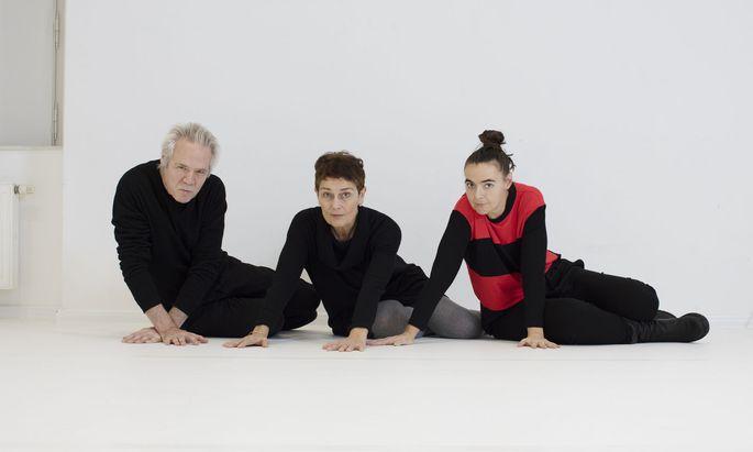 Zwei Jahre lang erarbeitete Doris Uhlich (re.) das Stück mit den ehemaligen Zeitraumexit-Intendanten Gabriele Oßwald und Wolfgang Sautermeister.