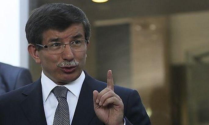 Die Türkei stellt Syrien die Rute ins Fenster