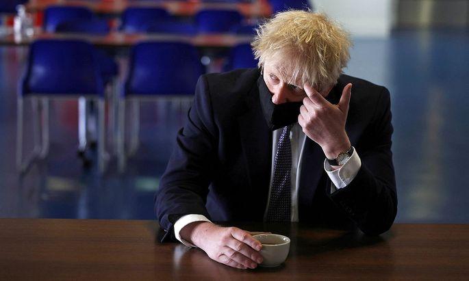 Boris Johnson muss derzeit einen Skandal nach dem anderen abwehren. Dabei hätte er mit Covid, Brexit und Nordirland bereits genug zu tun.