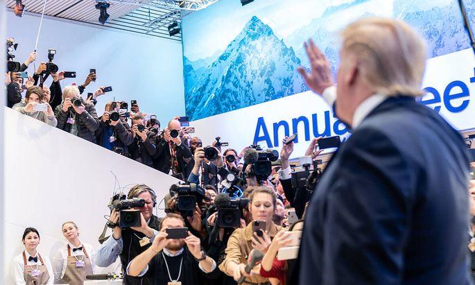 US-Präsident Donald Trump nützt seinen Auftritt in Davos, um den Europäern die Rute ins Fenster zu stellen.