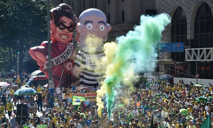TOPSHOT-BRAZIL-ROUSSEFF-IMPEACHMENT-DEMO