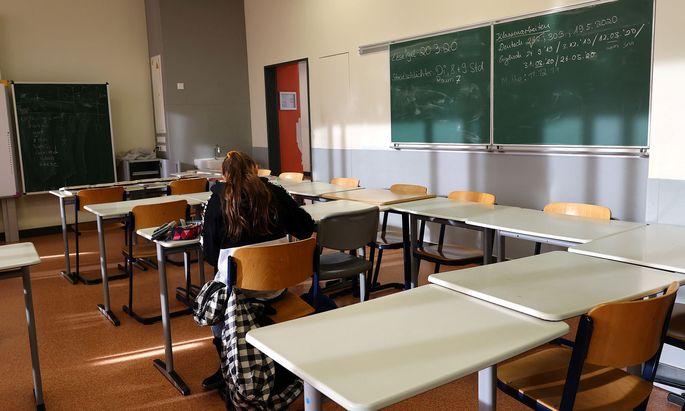 Um die Zeit bis zum Schulsschluss möglichst gut zu nützen, soll an den Fenstertagen im Mai und Juni unterrichtet werden, so der Plan des Bildungsministers.