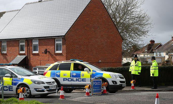 Die Polizei riegelte die Umgebung des Hauses von Sergej Skripal in Salisbury ab.