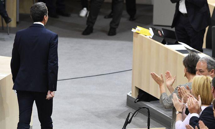 Christian Kern nach seiner Abschiedsrede im Parlament.