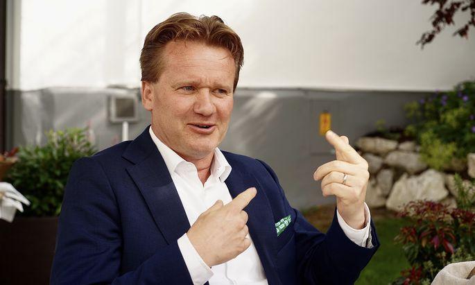 Der neue Präsident der Industriellenvereinigung, Georg Knill, sieht schon einen Silberstreif am Horizont.
