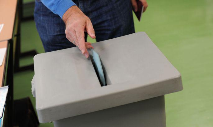 Symbolbild: Wahlurne