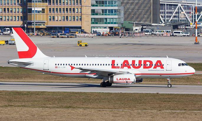 Lauda Airbus A320 Flugzeug Flughafen Stuttgart Stuttgart Deutschland 21 Maerz 2019 Ein Airbus A3