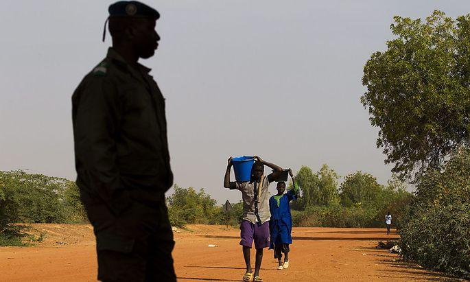 Mali: Österreich bietet neun Ärzte und Sanitäter an